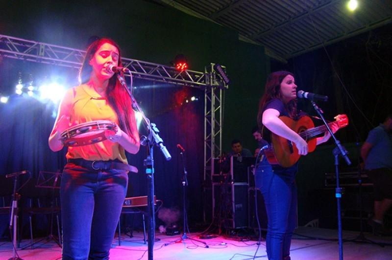 Apresentação de Debora Ildencio e Karoline Benediti (Foto: Prefeitura Municipal de Indaial)