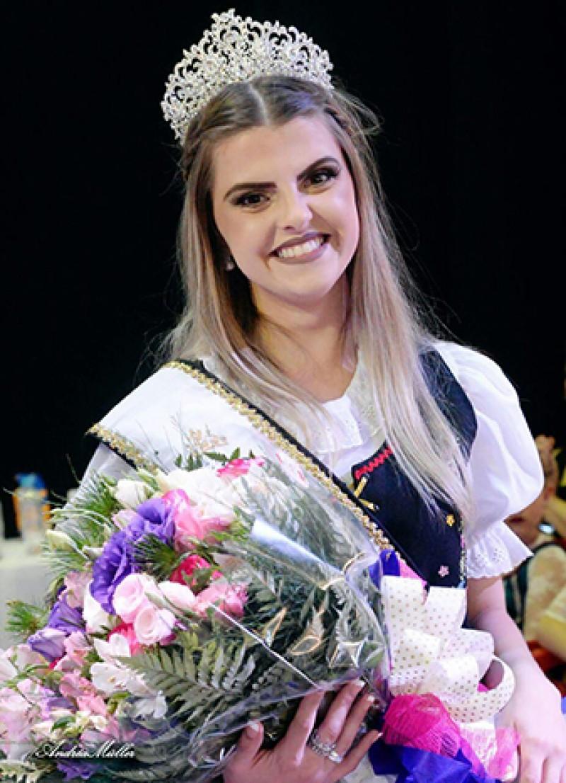 2ª Princesa: Iara Carolina Weiss, 22 anos (Foto: Andréa Müller)