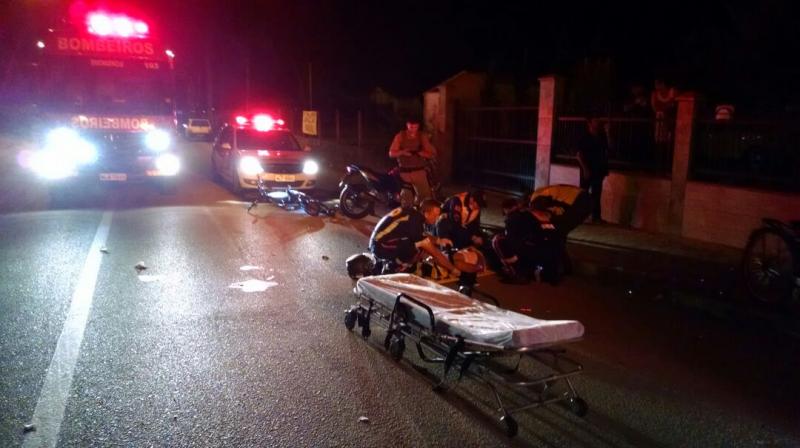 Na madrugada de ontem, um acidente no bairro Araponguinhas deixou uma ciclista inconsciente (Foto: Divulgação/Corpo de Bombeiros Militar de Timbó)